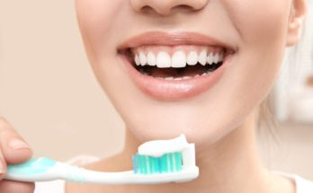 How to brush your teeth properly?